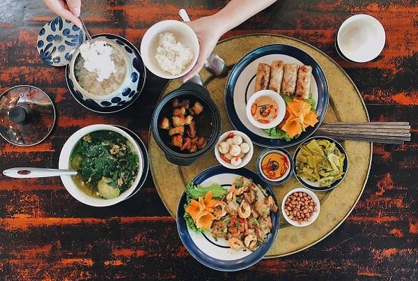 Ẩm thực Hà Nội cũng khiến nhiều du khách tới mà chẳng muốn về